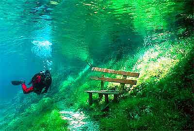 Зелёное озеро в Трагёсе