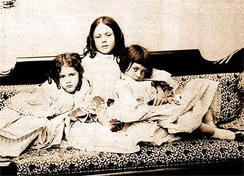 Льюис Керролл и маленькие девочки