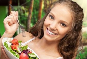 ешьте больше свежих овощей в салатах